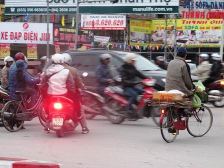 Giao thông hỗn loạn tại nút giao thông trung tâm Tp Hạ Long do mất điện 4