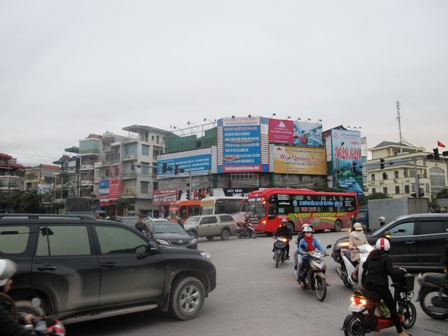 Giao thông hỗn loạn tại nút giao thông trung tâm Tp Hạ Long do mất điện 3