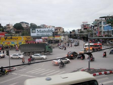 Giao thông hỗn loạn tại nút giao thông trung tâm Tp Hạ Long do mất điện 2