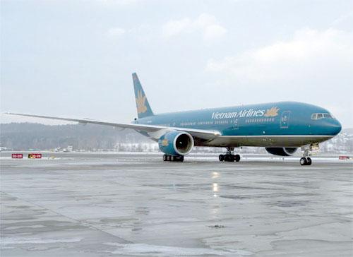 Số điện thoại hỗ trợ 44 chuyến bay bị hủy vì bão 1