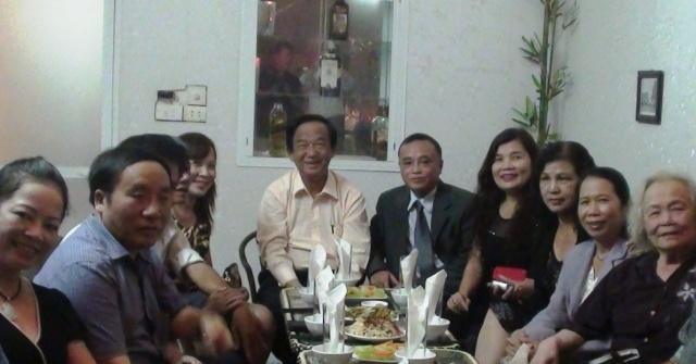 GS.TS. NGND Nguyễn Lân Dũng được trao tặng Huân chương Lao động hạng Hai 1