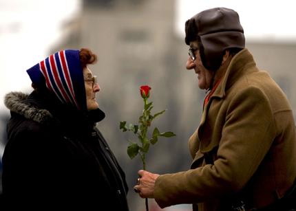 Một chút lãng mạn cho tuổi già thêm ý nghĩa 1