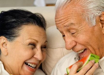 """Những thực phẩm """"giết chết"""" ham muốn ái ân ở người cao tuổi 1"""