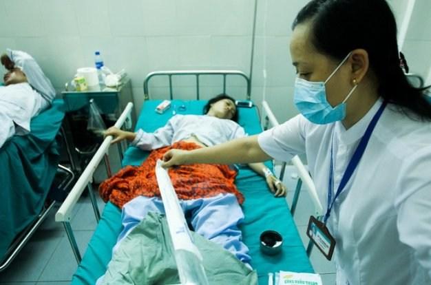 Tích cực cứu chữa nạn nhân vụ tai nạn giao thông tại Lào Cai 3