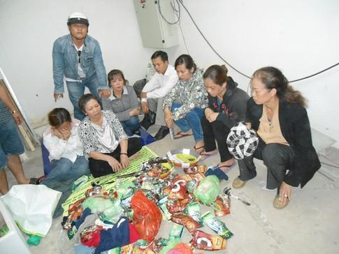 Nhóm phụ nữ ăn cắp ở siêu thị sa lưới 1