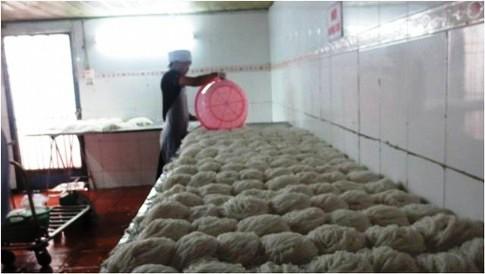 Xem quy trình sản xuất bún tươi 7
