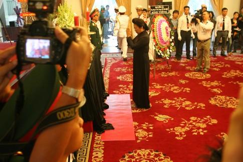 TPHCM: Dòng người đến viếng Đại tướng dài như vô tận 7