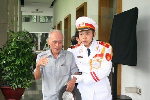 TPHCM: Dòng người đến viếng Đại tướng dài như vô tận 8