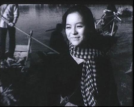 Ca sĩ Ái Vân gặp nhiều khó khăn khi viết hồi ký 1