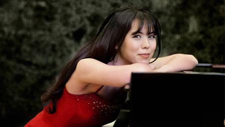Thần đồng piano Mona Asuka Ott chơi nhạc từ năm 2 tuổi 1
