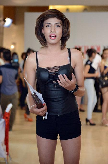 Thí sinh chuyển giới tự tin tham gia Vietnam's Next Top Model 1