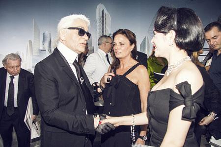 Lý Nhã Kỳ lấn át diễn viên Châu Tấn ở show thời trang Chanel 4