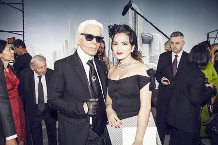 Lý Nhã Kỳ lấn át diễn viên Châu Tấn ở show thời trang Chanel 5