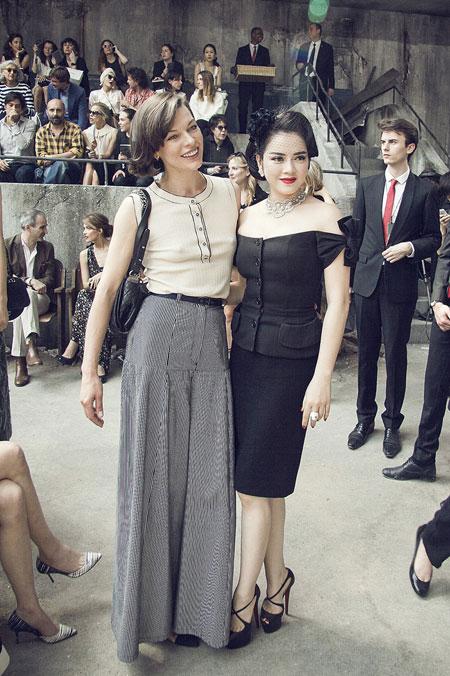 Lý Nhã Kỳ lấn át diễn viên Châu Tấn ở show thời trang Chanel 8