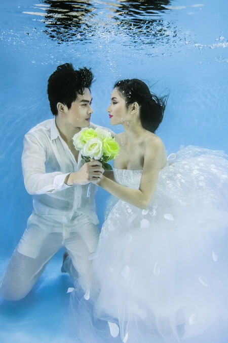 Người mẫu Trúc Diễm chụp ảnh cưới dưới nước 1