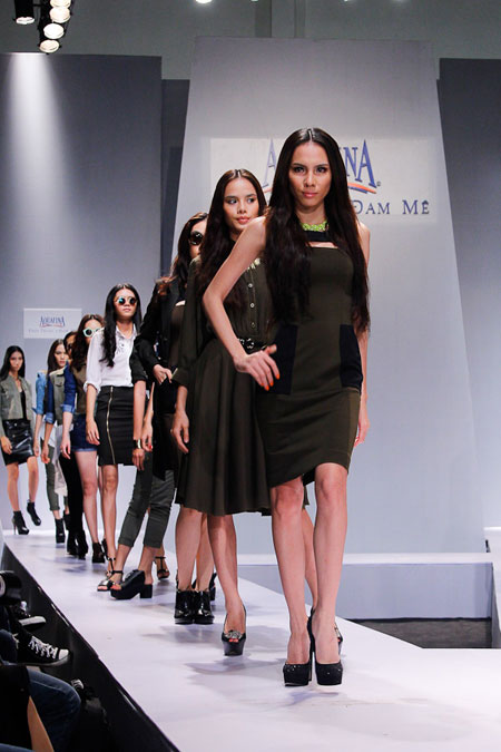 Mỹ Tâm lần đầu trình diễn thời trang  10