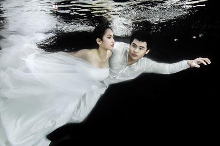 Người mẫu Trúc Diễm chụp ảnh cưới dưới nước 9