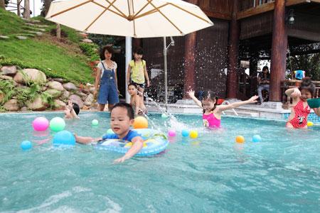 Ca sĩ Khánh Ly khoe trang trại đẹp như Resort 9