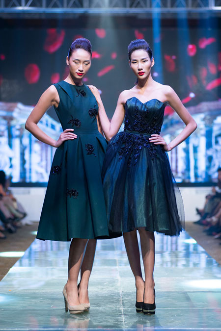 Hoàng Thùy Linh sexy trên sân khấu thời trang  14