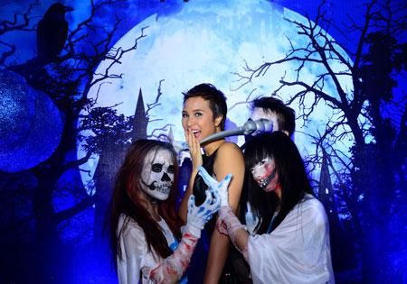 Phương Mai-Trúc Diễm gợi cảm trong lễ Halloween 2