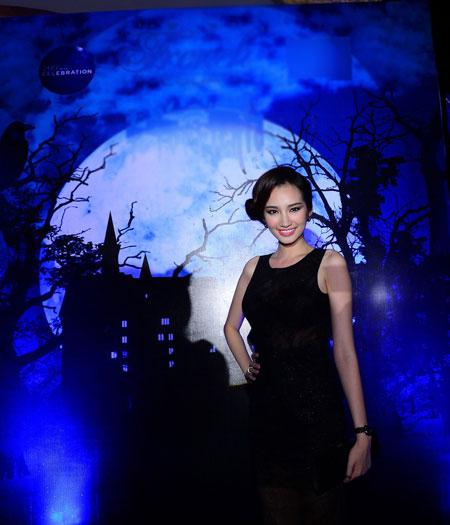 Phương Mai-Trúc Diễm gợi cảm trong lễ Halloween 6