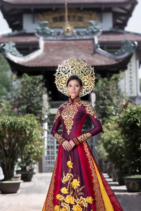 Trương Thị May dịu dàng trong bộ quốc phục ở Hoa hậu Hoàn vũ 8