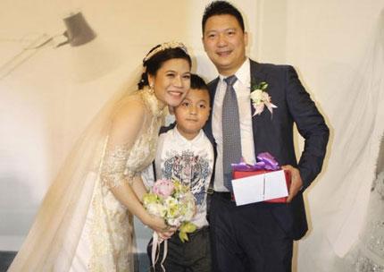 Tình yêu mẹ kế, con chồng nơi showbiz Việt có thực hiện hữu? 1