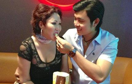 Vũ Hoàng Việt và Yvonne Thúy Hoàng xứng đáng được hạnh phúc! 1