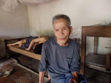 Gần 10 triệu đồng đến với mái nhà xác xơ nghèo dưới chân núi Đọ 9