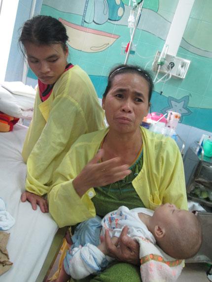 Ngằn ngặt tiếng khóc của bé thơ 6 tháng trong kinh hoàng bão lũ  3