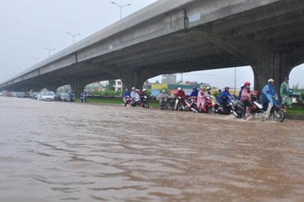 Tiền tấn đổ xuống đường, sao Hà Nội vẫn thành sông?! 1