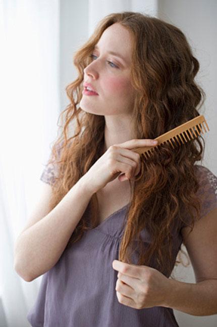 Những điều lưu ý để chăm sóc tóc sau khi uốn và nhuộm 5