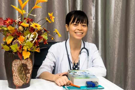BS CKII Nguyễn Lê Minh Thống khám bệnh miễn phí cho bệnh nhân nghèo   3