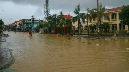 Nước lũ bao trùm tại nhiều địa phương tỉnh Hà Tĩnh 6