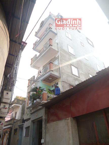 Người thợ sửa xe đạp một mình bê gạch, trộn vữa xây 9 tầng nhà trong 8 năm 2