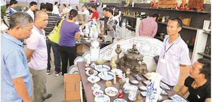 Phiên chợ đồ cũ - điểm du lịch thú vị cho khách tham quan Hà Nội 1