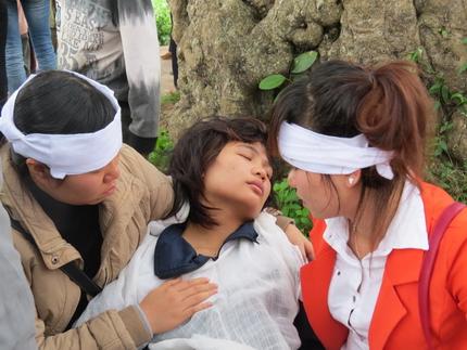Cận cảnh tiếng khóc nghẹn ngào trong đại tang của các nạn nhân tại vụ cháy Zone 9 3