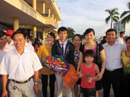 Hà Tĩnh khen thưởng HS đạt giải Vàng Toán Quốc tế 1