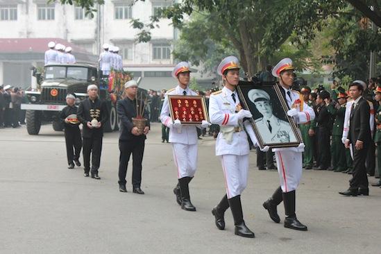 Hình ảnh linh cữu Đại tướng trên các tuyến phố Hà Nội 4