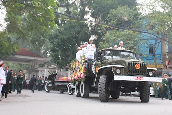 Hình ảnh linh cữu Đại tướng trên các tuyến phố Hà Nội 6