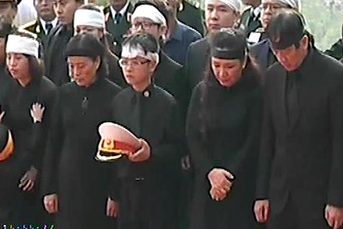Cận cảnh Lễ an táng Đại tướng tại Vũng Chùa 2
