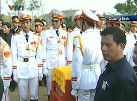Cận cảnh Lễ an táng Đại tướng tại Vũng Chùa 4