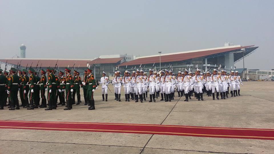 Cận cảnh máy bay đưa Đại tướng rời Hà Nội 1