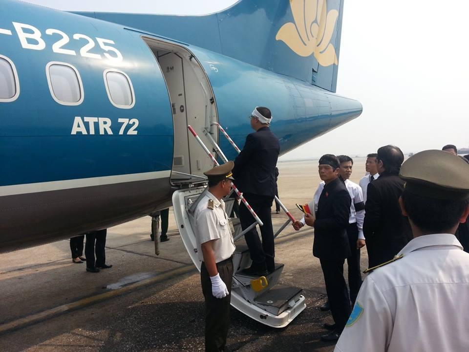Cận cảnh máy bay đưa Đại tướng rời Hà Nội 4