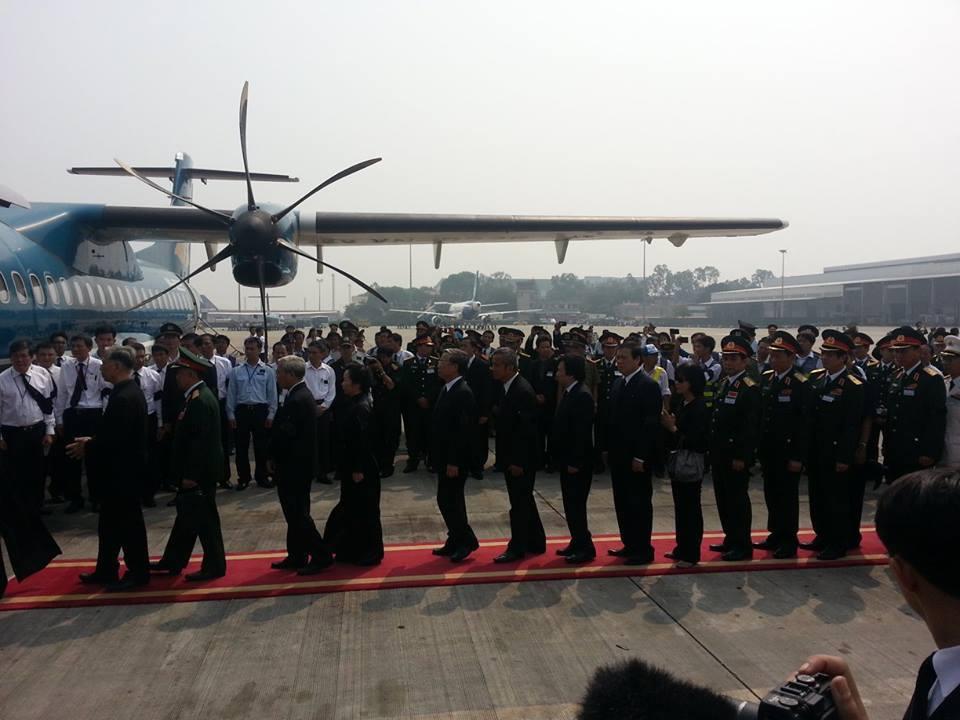 Cận cảnh máy bay đưa Đại tướng rời Hà Nội 5