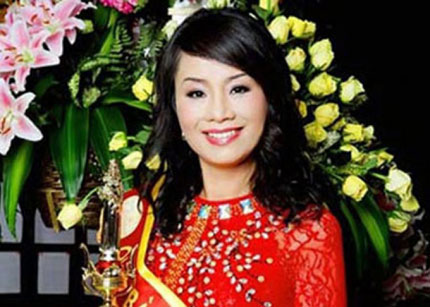 Hai con trai quý bà Trương Thị Tuyết Nga tạm thời điều hành bệnh viện 2