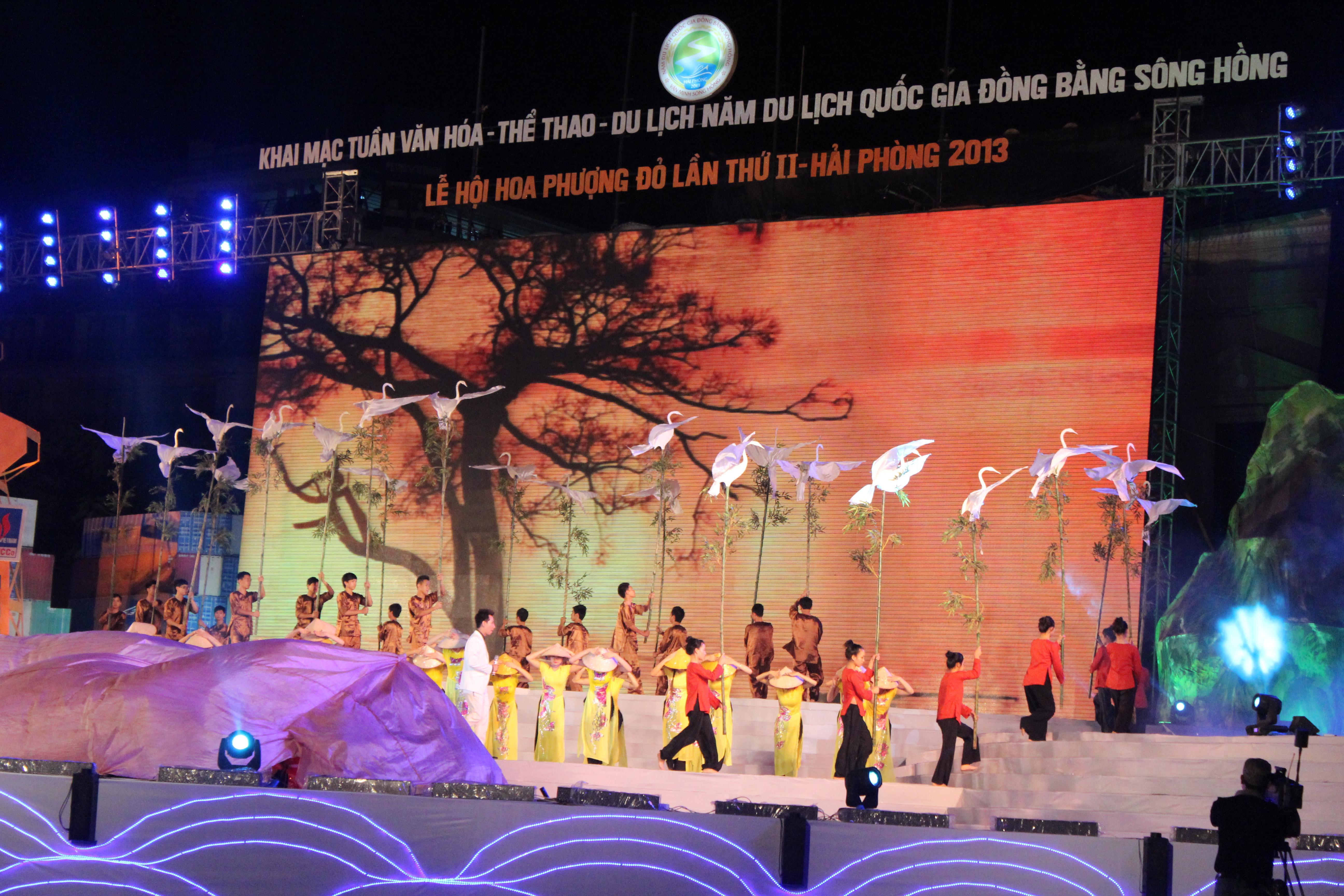 Ấn tượng và hoành tráng Lễ hội Văn minh Sông Hồng 1