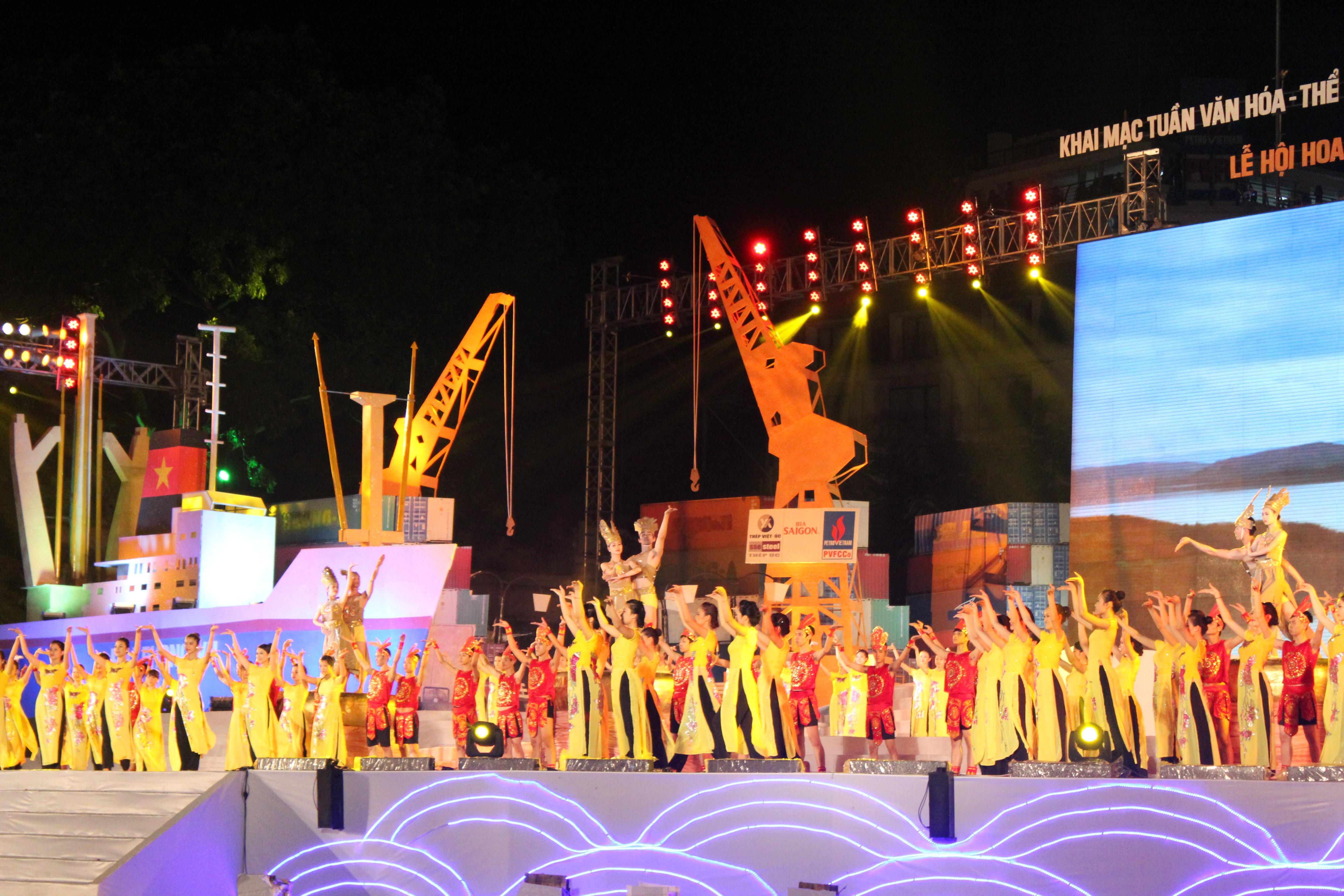 Ấn tượng và hoành tráng Lễ hội Văn minh Sông Hồng 2