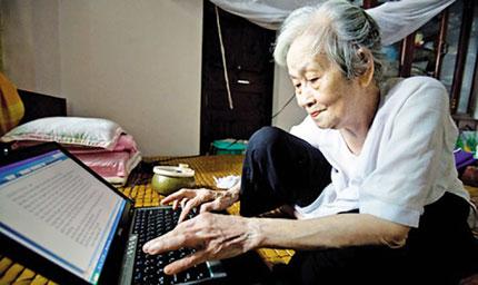 Lão bà 94 tuổi vẫn say mê vẽ 2