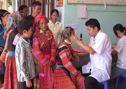 Bác sỹ trẻ về vùng khó khăn 1